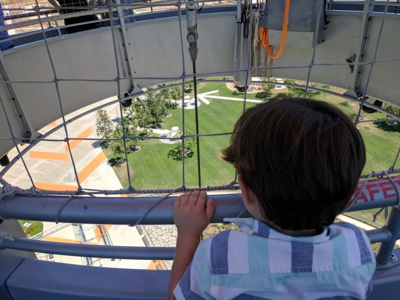 Los niños no tienen temor a las alturas